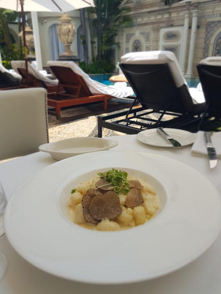 Gnocchi al tartufo da Gianni's Villa Casuarina, Miami - Foto di Francesca Barbarancia