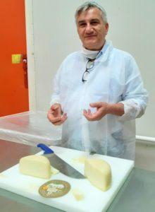Casciotta d'Urbino dop alle Fattorie Marchigiane. Brand manager Paolo Cesaretti