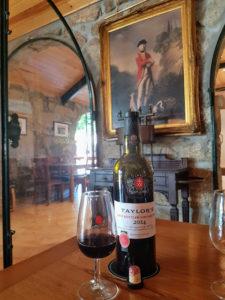 Crociera-sul-Douro-da-Porto-a-Salamanca_-degustazione-vino-Taylor
