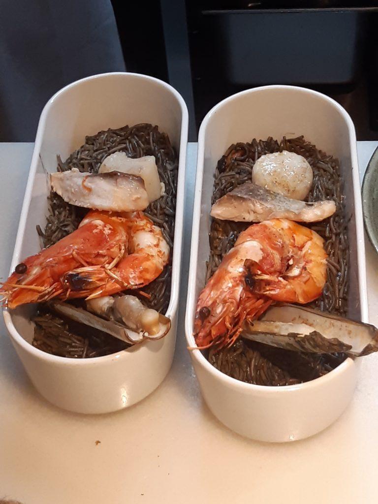 Tagliolini spezzati, con gambero, mollusco e pesce