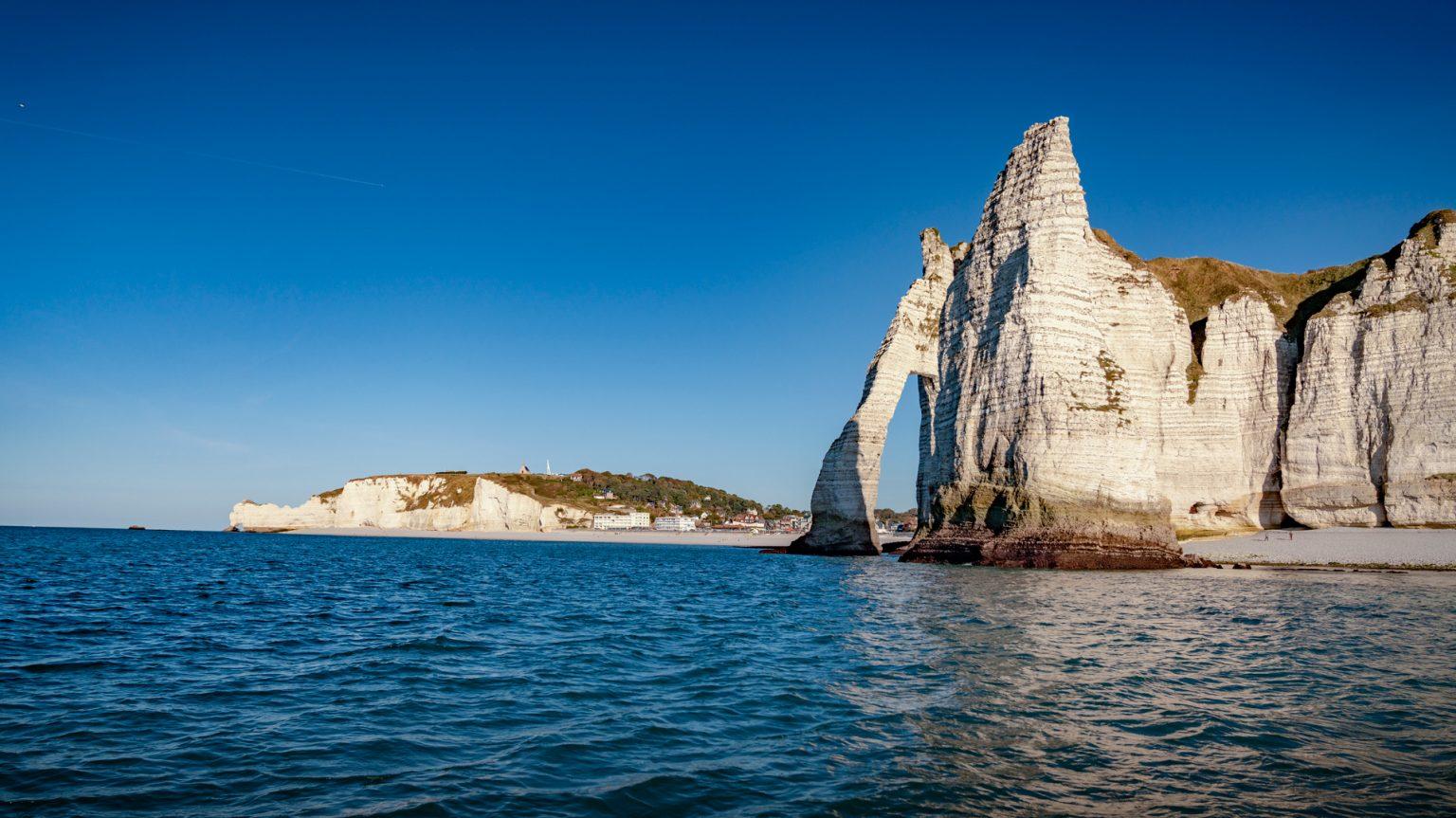 etretat_falaises-d-etretat-bord-de-mer