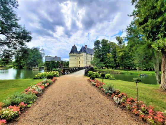Chateau-de-lIslette_-viale-dentrata
