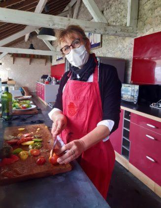 Chateau de la Bourdaisière_ Preparazione del piatto servito al Bar dei Pomodori