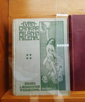 Vrhnika_uno dei libri messi al bando di Ivan Cankar_teca nella casa dello scrittore_Ph. Francesca Barbarancia ©Voicesearch.travel_